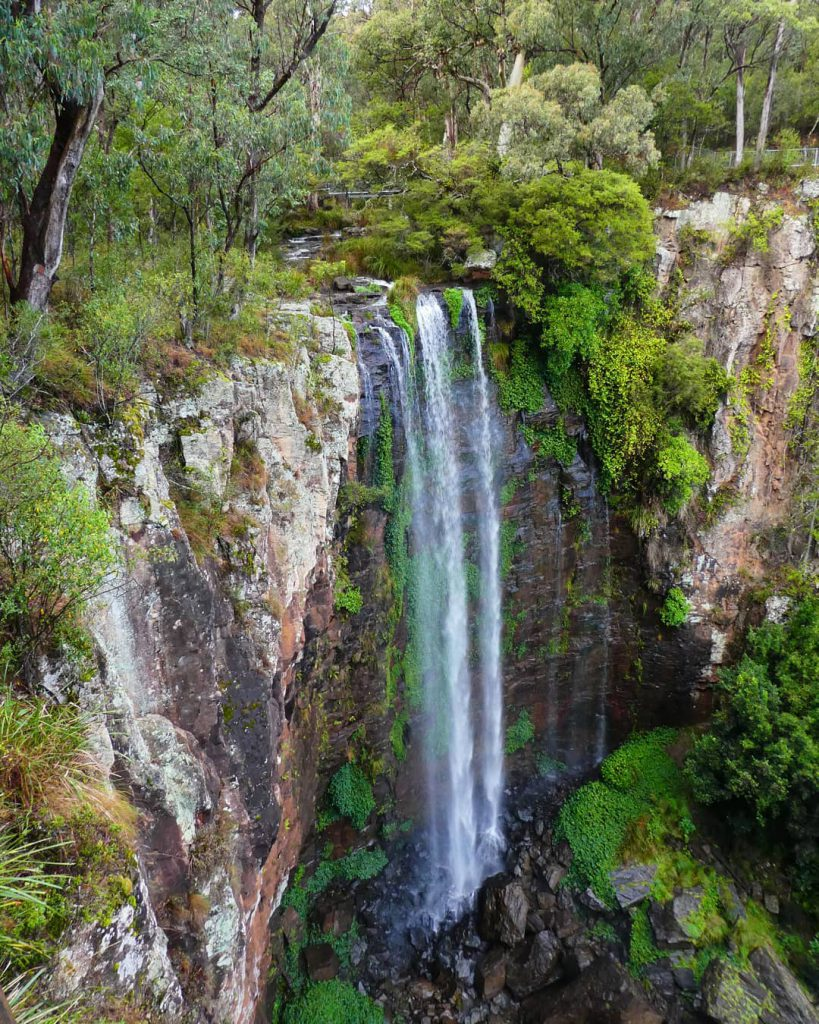 cliff picture of Queen Marry Falls waterfall